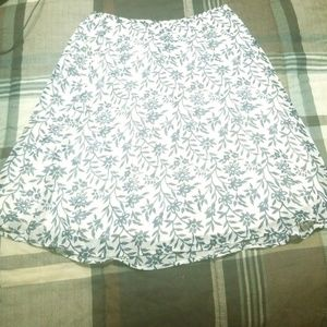 NY & CO floral paisley skirt size small.